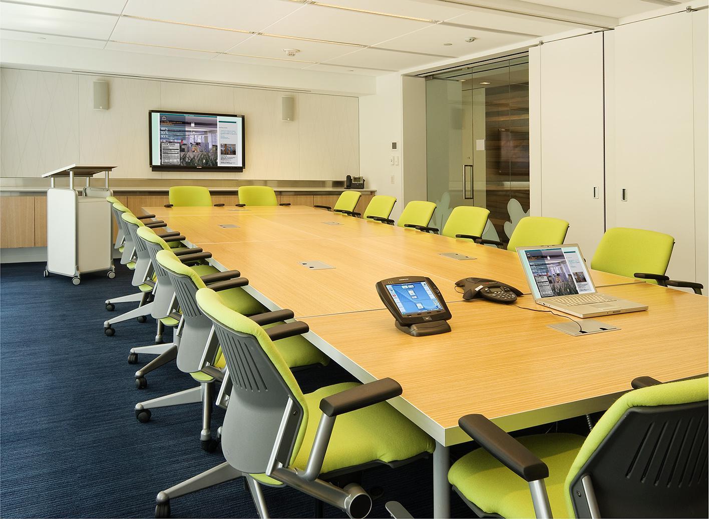 irodatakarítás előtér|irodatakrítás konferenciaterem